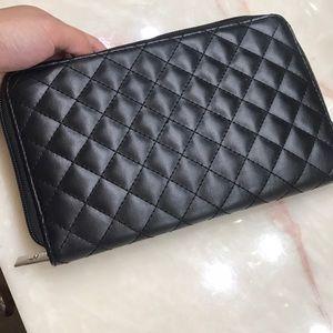 it cosmetics Bags - Makeup brush holder